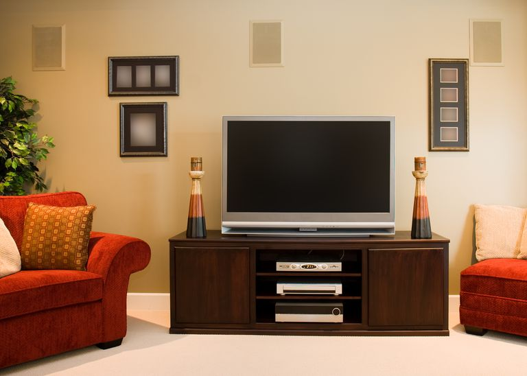 Image of a decked-out family room, illustrating About.com's House and Garden Sweepstakes.