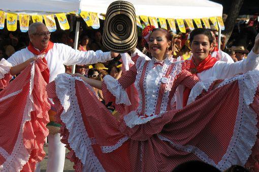 Bailadores de cumbia