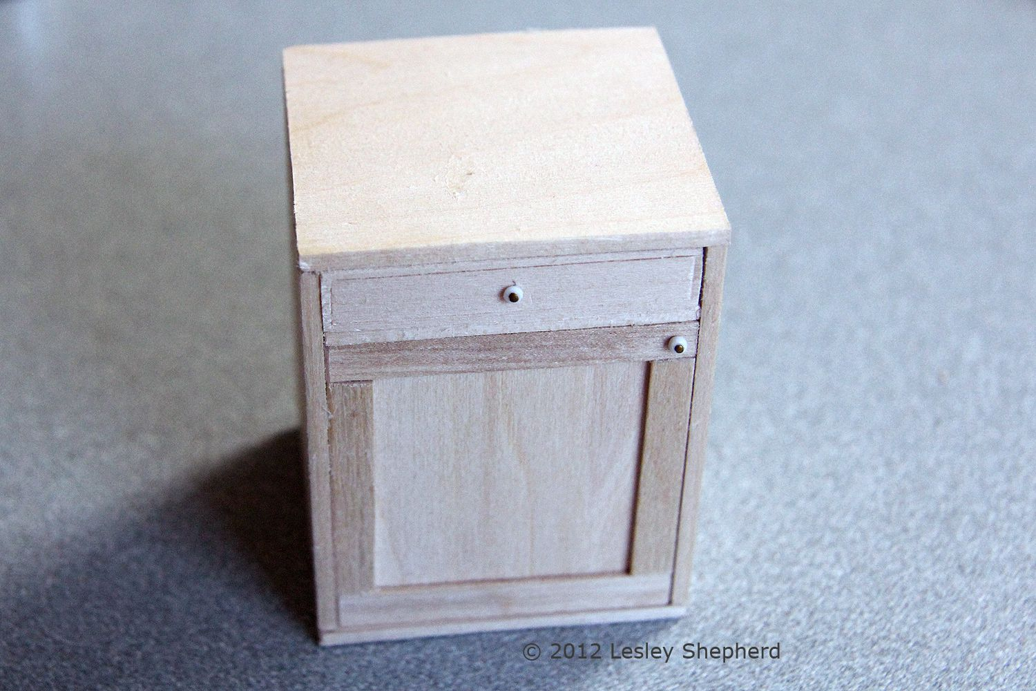 how to make custom dollhouse kitchen cabinets
