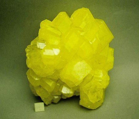 Crystals of the nonmetallic element sulfur.