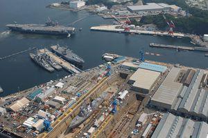 USS Kitty Hawk (CV-63) docks at the U.S. Navy base in Yokosuka, Japan