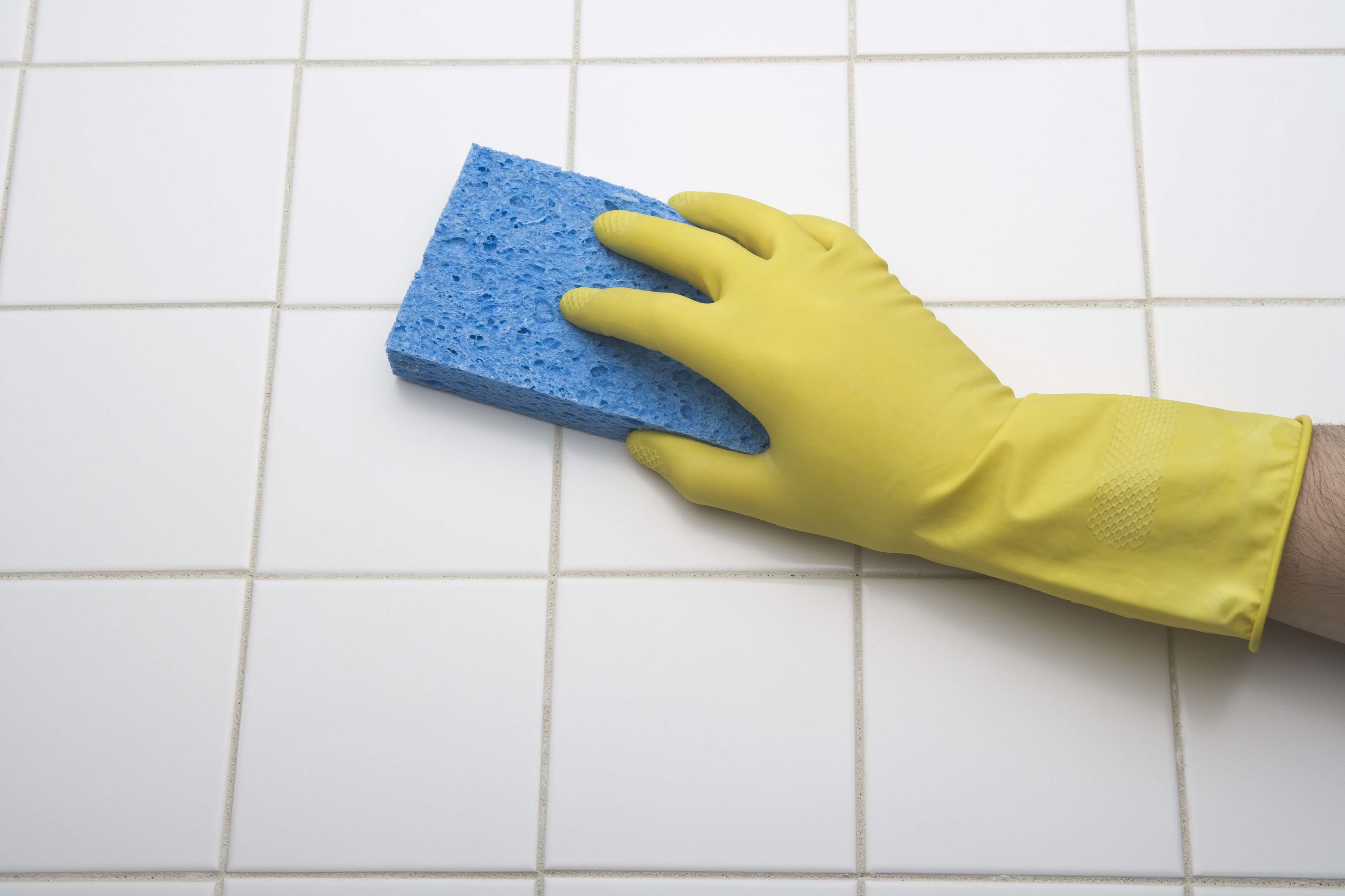 Should I Use Cellulose Sponges For Cleaning
