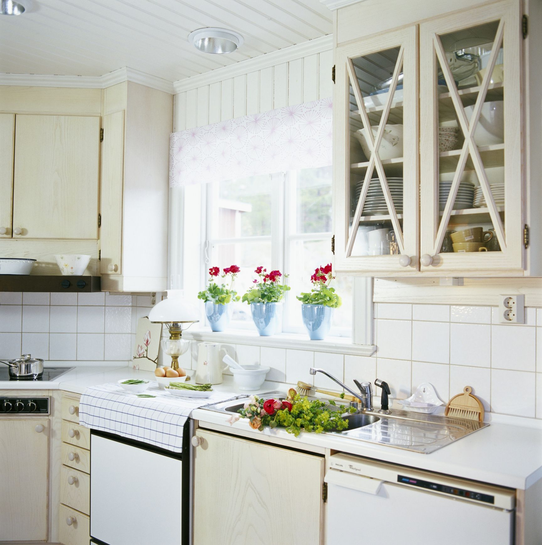 Thermofoil Cabinets Basics and Buying Guide