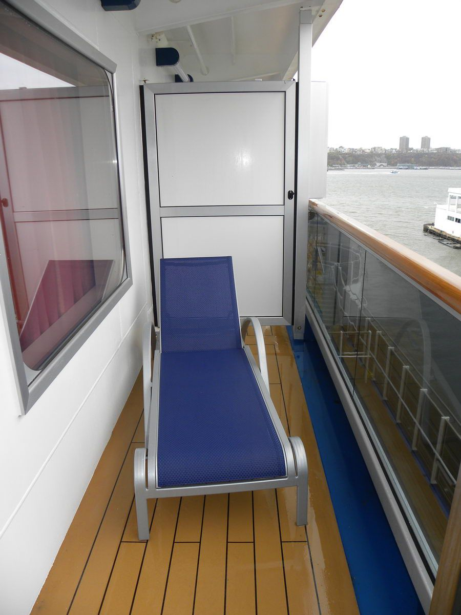 Carnival dream cruise ship cabins for Balcony on carnival cruise