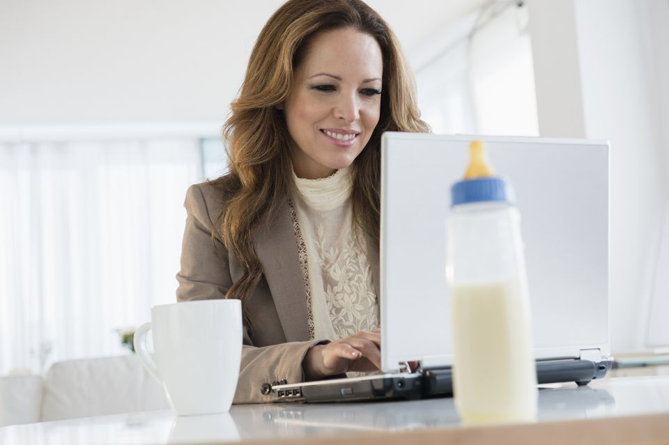 9 Ways a Working Mom Can Advance Her Career