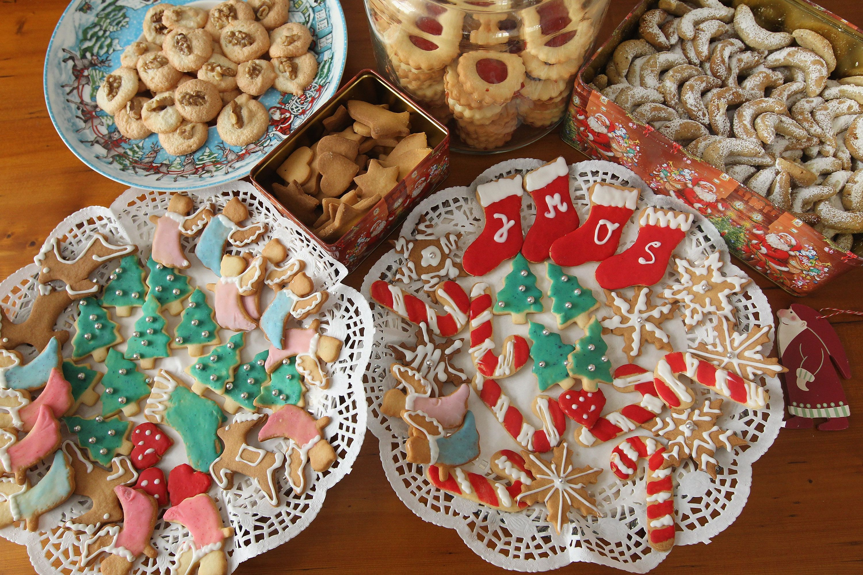 Writing an Invitation to a Cookie Exchange Party
