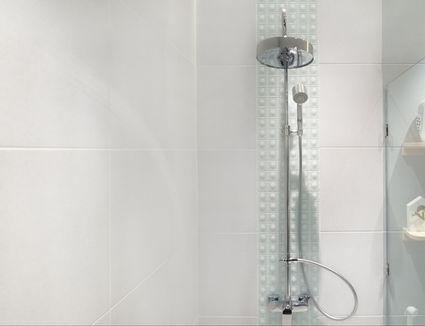 How to Apply Caulking to Shower Trim