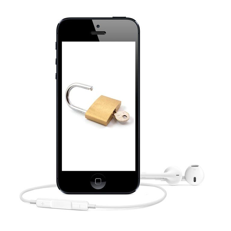unlocking vs jailbreaking iphone