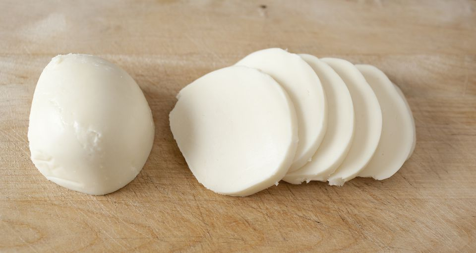 Fresh Mozzarella Slices