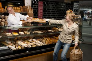 Holiday Employees Who Create Bad Customer Experiences Cut Sales by 50%