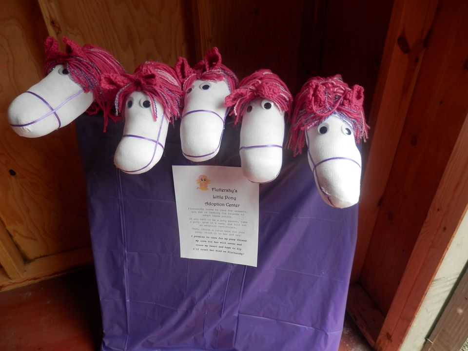 Sock stick horse party favors