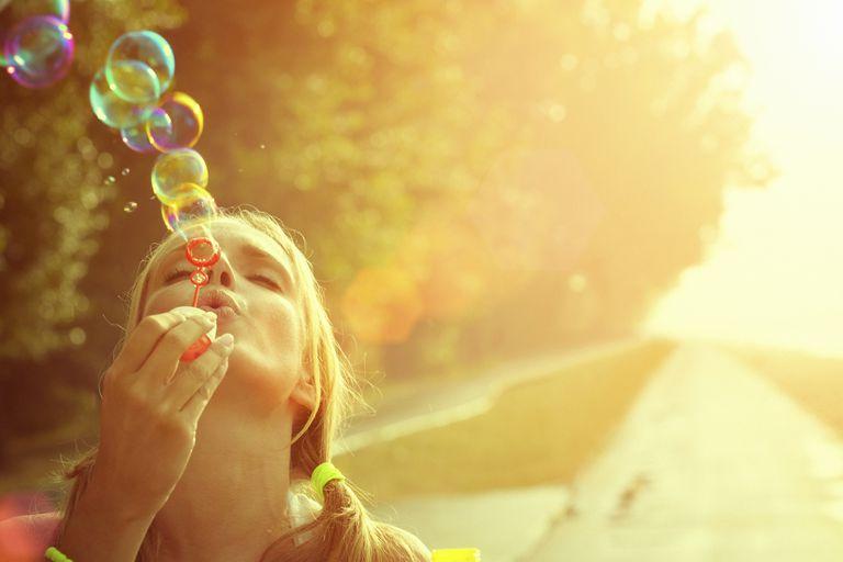 blowing-bubbles-weekend-fun-gruizza.jpg