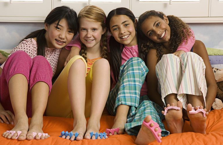 15 sleepover games that are quick easy and cheap. Black Bedroom Furniture Sets. Home Design Ideas