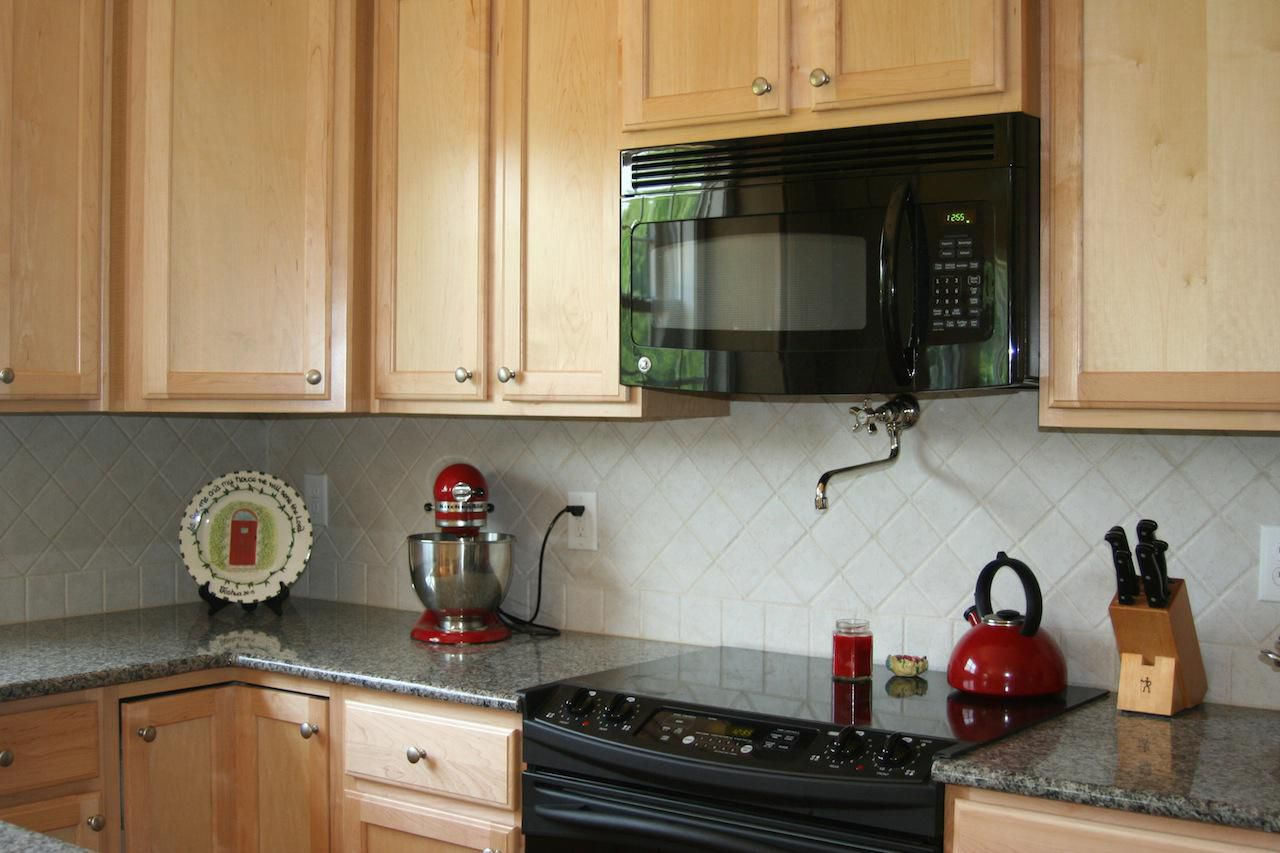 best material for kitchen backsplash 30 amazing design ideas for a kitchen backsplash 23136