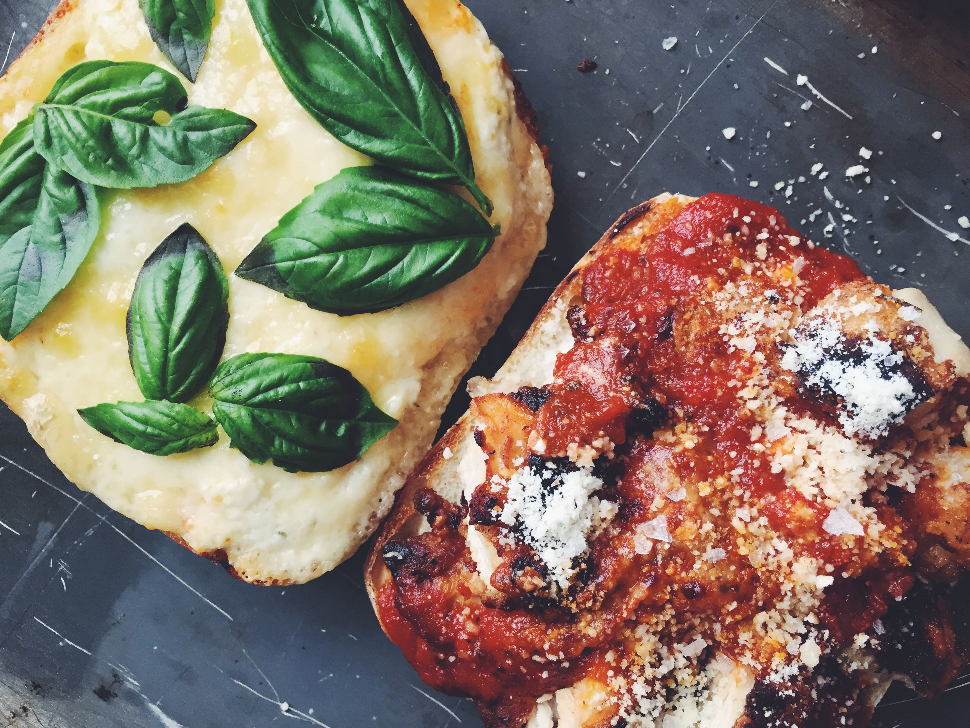 A simple yet delicious chicken parmesan sandwich for Chicken chicken parmesan desiigner
