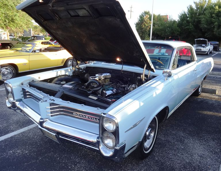 1964 Pontiac Bonneville Tri Power V8
