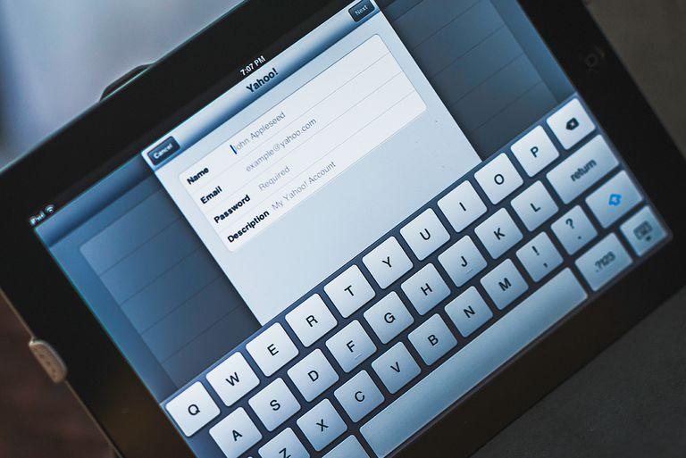 Setting up Yahoo! email on Apple iPad device.