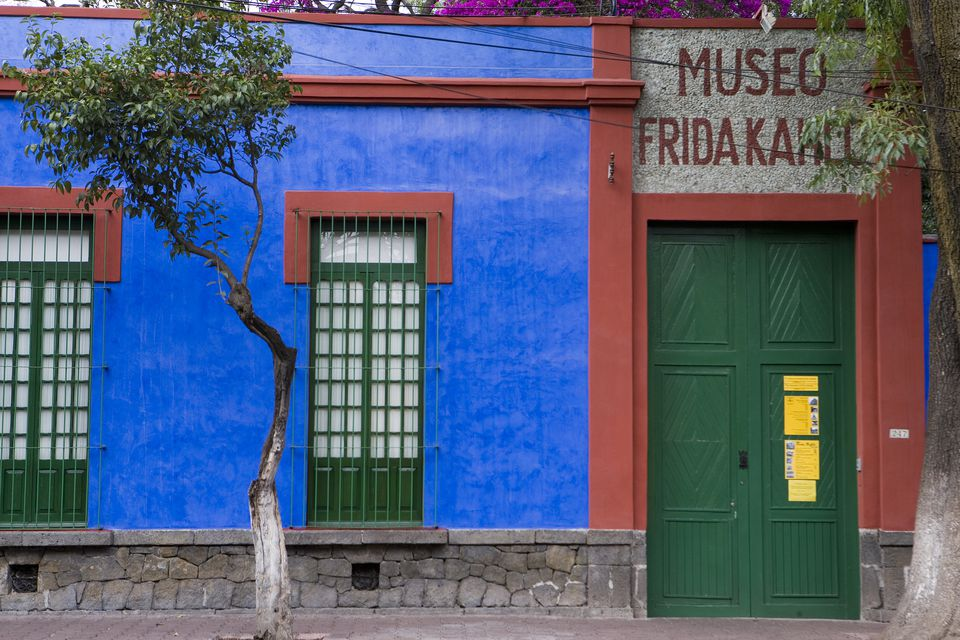Museo Frida Kahlo, facade with entrance to museum
