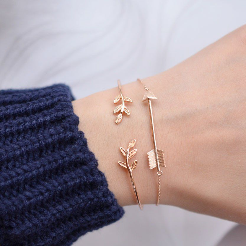 Rose gold jewelry trends: minimal bangles