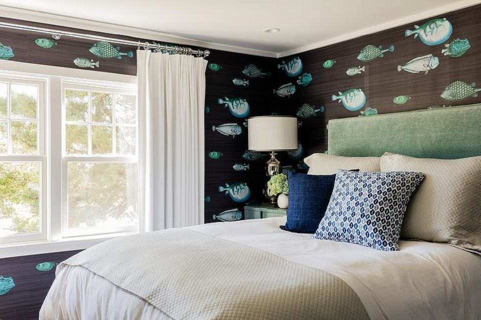 Fish wallpaper in bedroom. 50 Gorgeous Beach Bedroom Decor Ideas