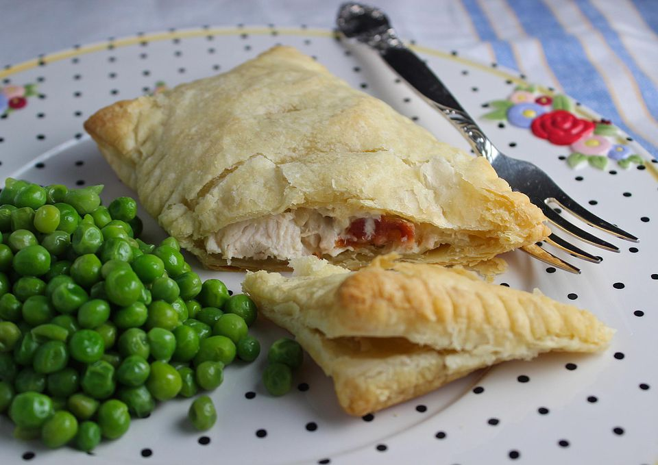 Chicken-and-Bacon-in-Puff-Pastry.jpg