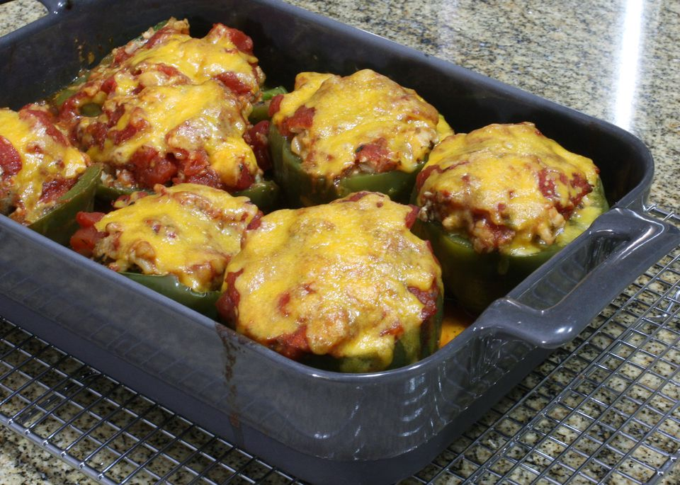 Classic Stuffed Bell Peppers With Ground Beef and Rice