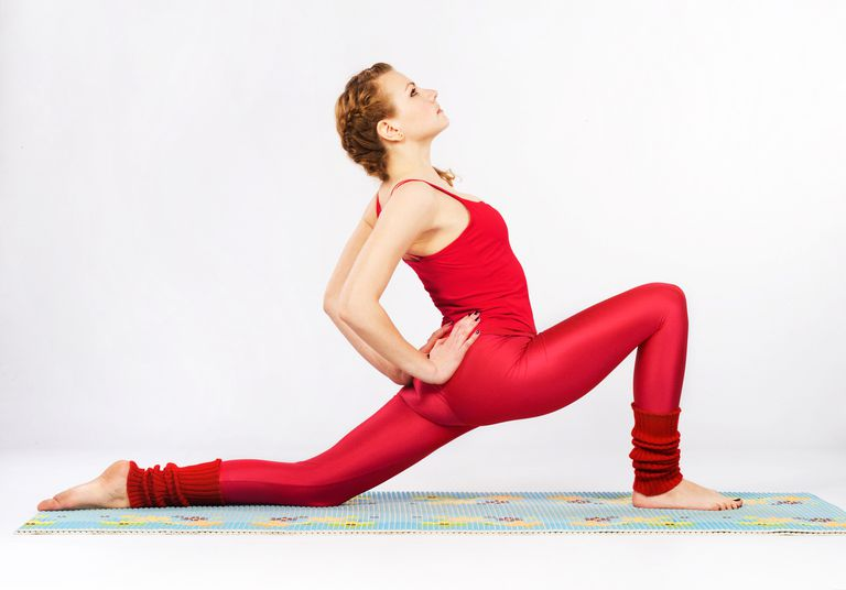 Woman doing a lunge.