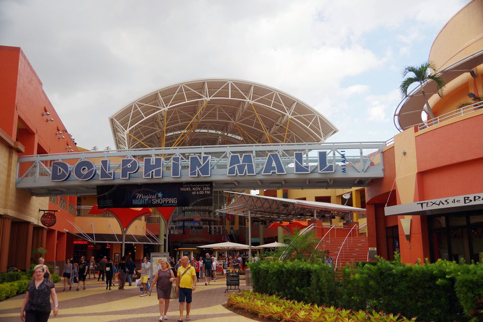 D B Dolphin Mall The 5 Best Miami Outle...