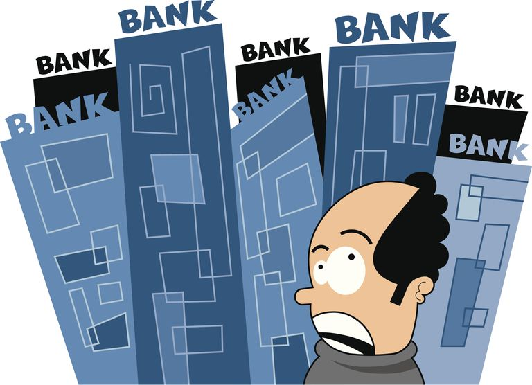 A man confused by which bank to choose