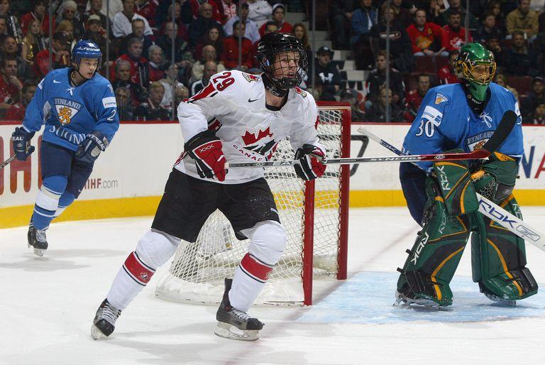 Jonathan Toews and Tuukka Rask at the 2006 World Junior Hockey Championship.