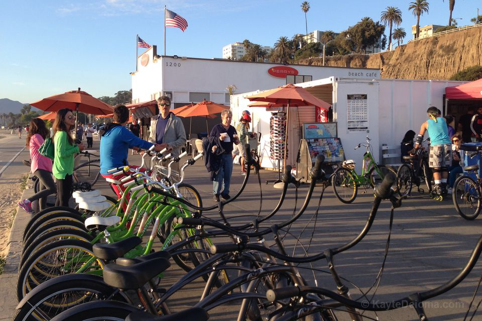 Perry's Cafe and Rentals on Santa Monica Beach