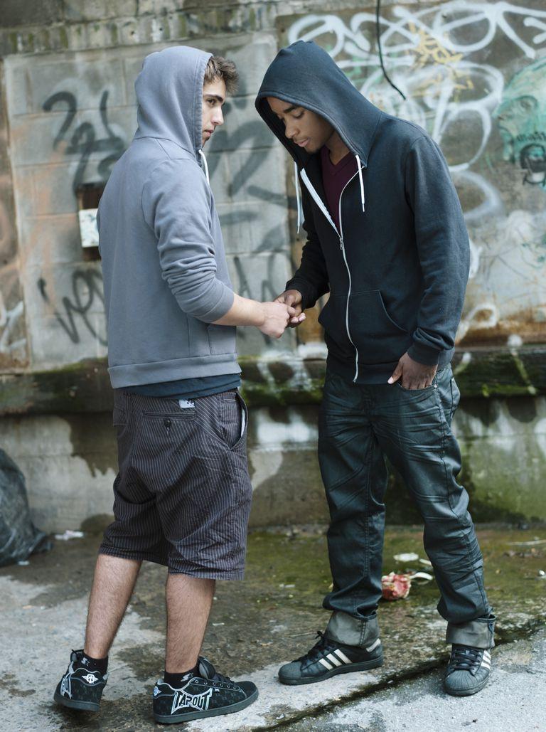 Models pose as a drug dealer and user