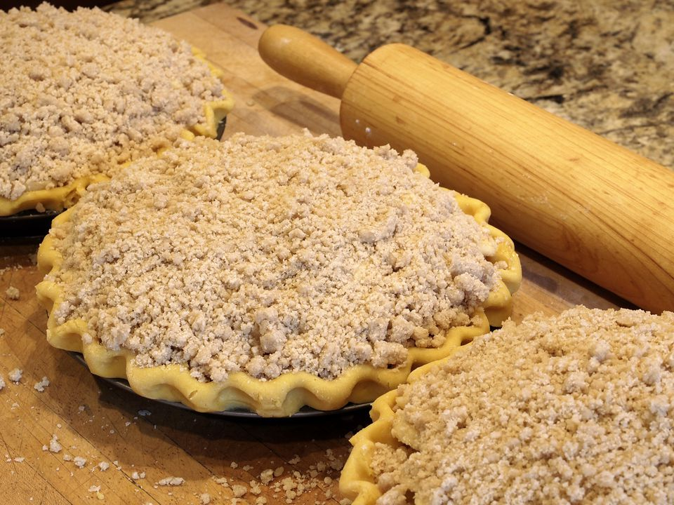 Homestyle Crumb Top Pie