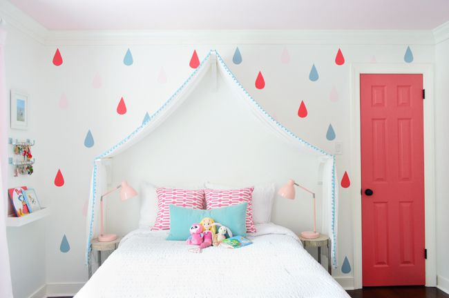 Simple DIY bed canopy.