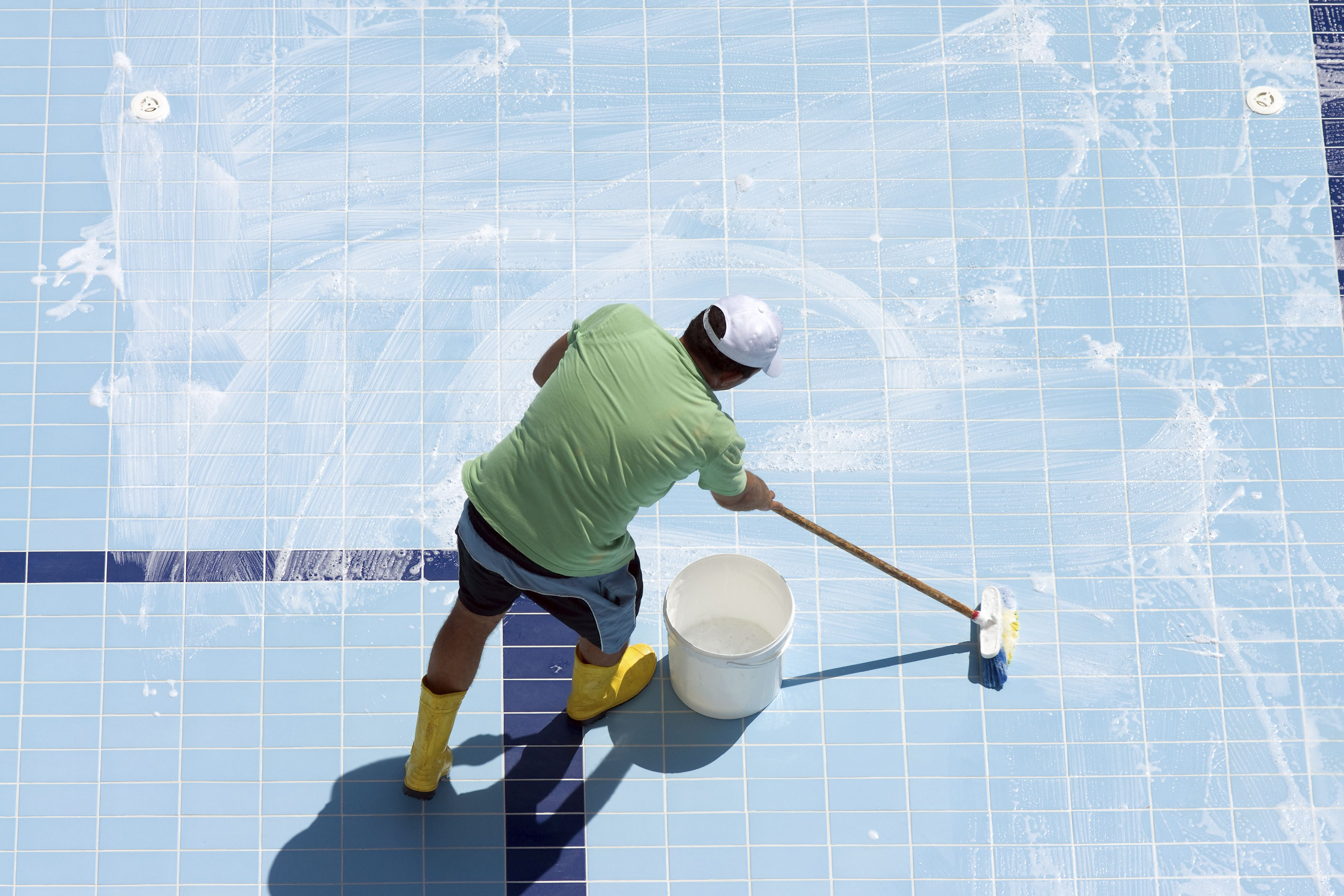 what is a spool types of swimming pools