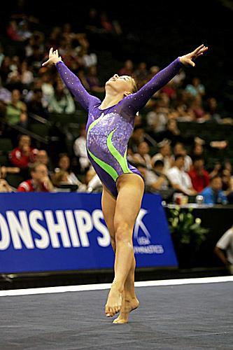 floor gymnastics shawn johnson.