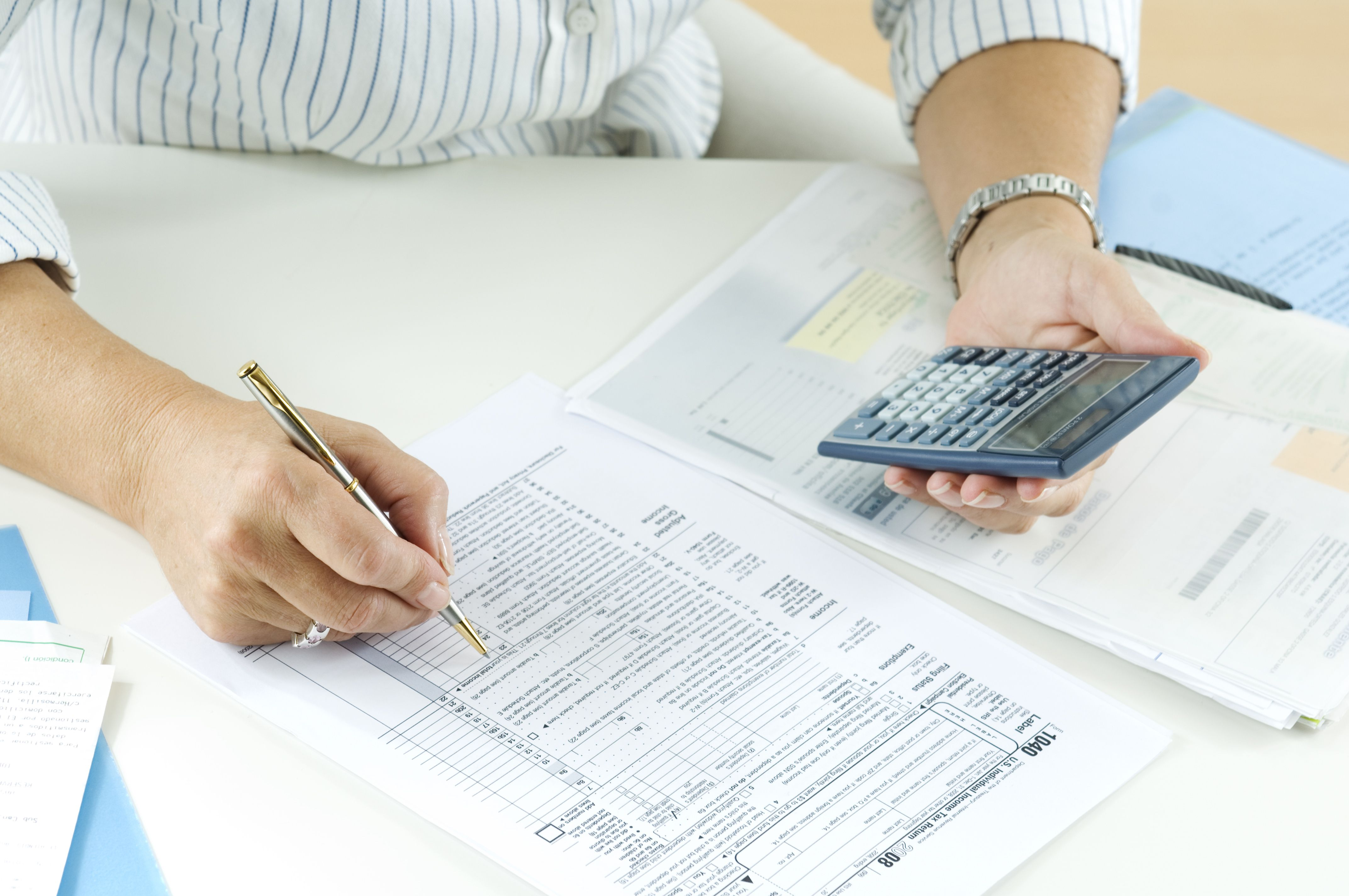 What are FICA taxes? Social Security and Medicare Taxes
