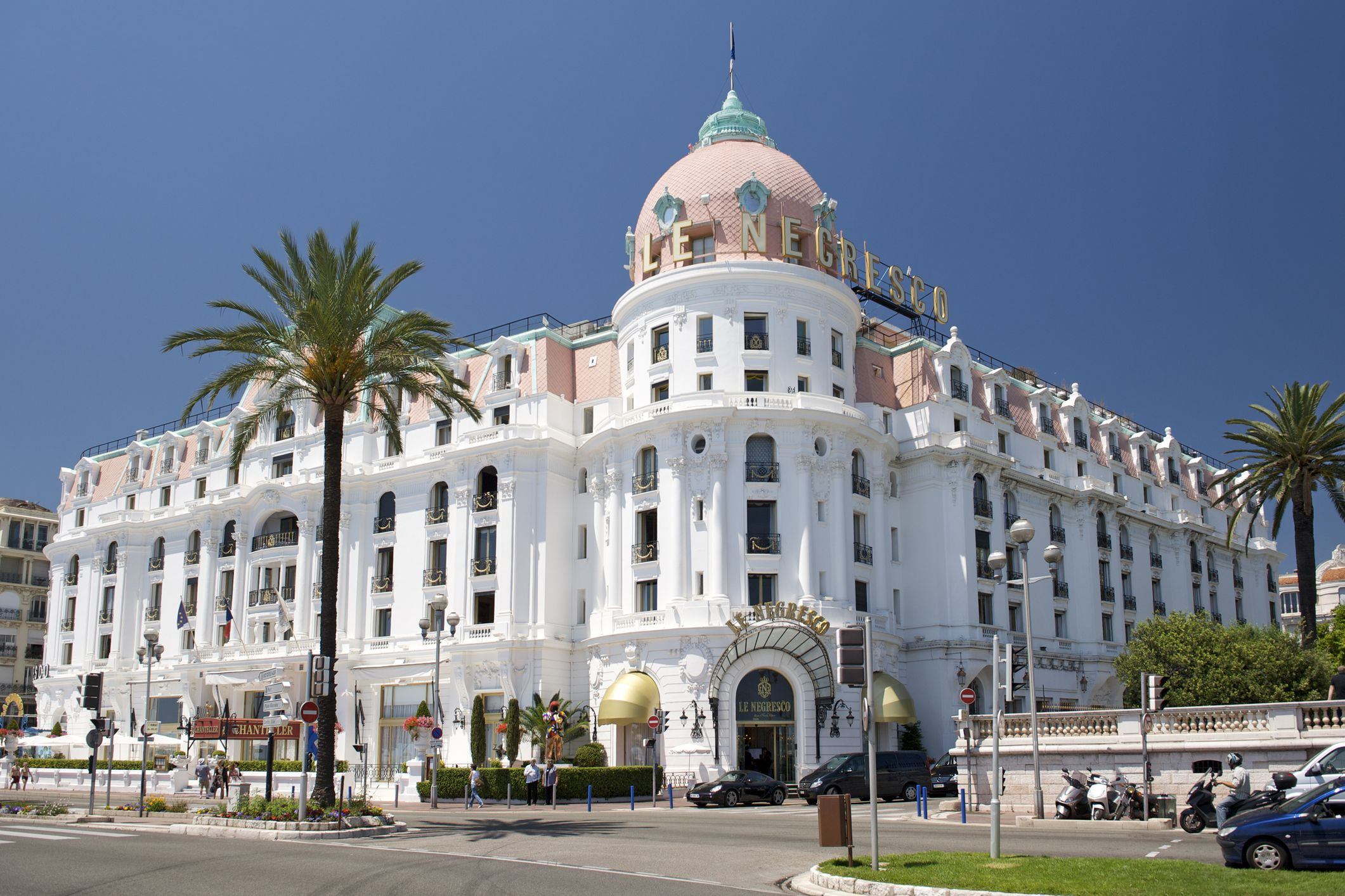 Hotels in nice ranging from affordable to luxury for Luxury hotels in nice