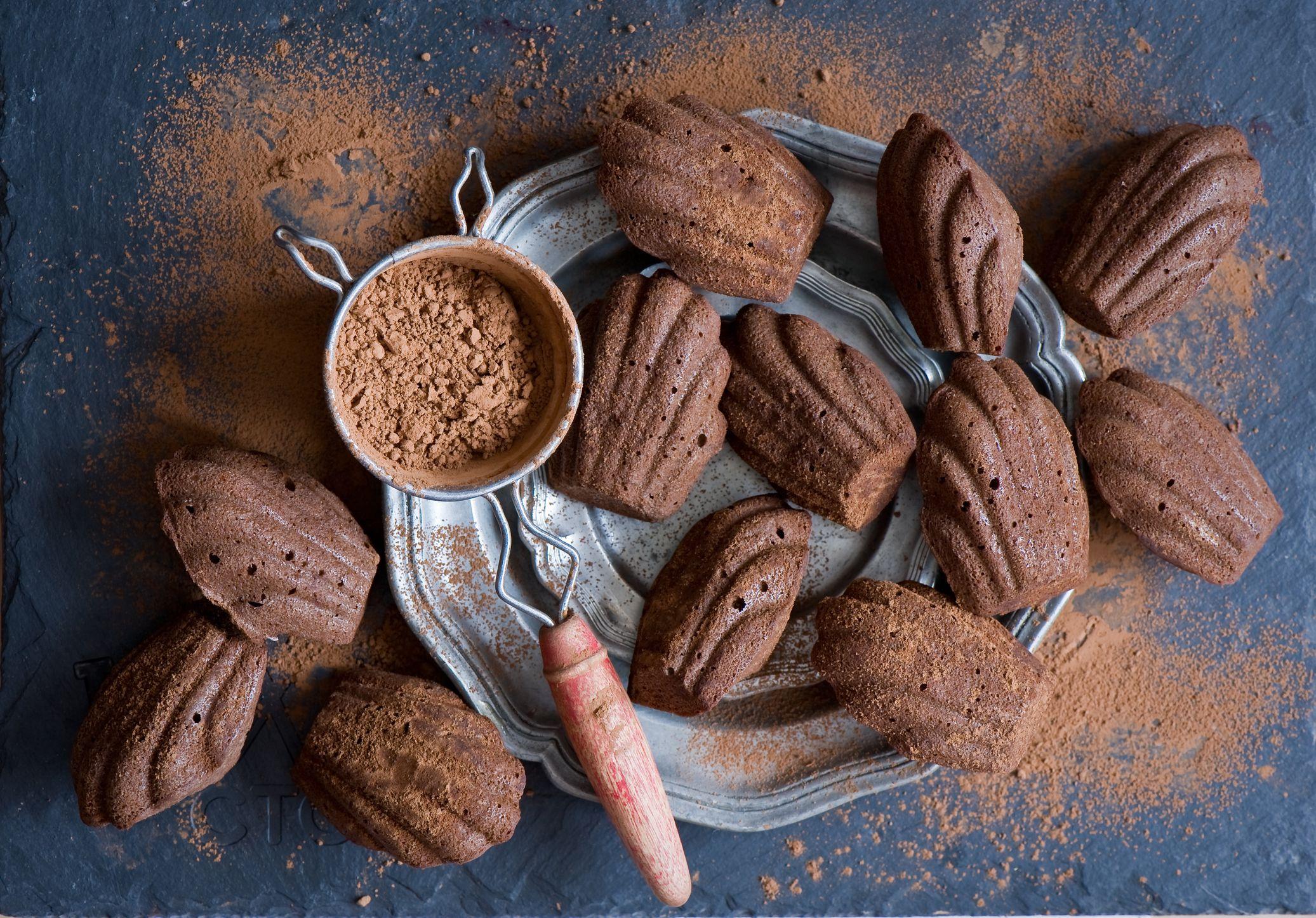 French Dark Chocolate Madeleine Cakes Recipe