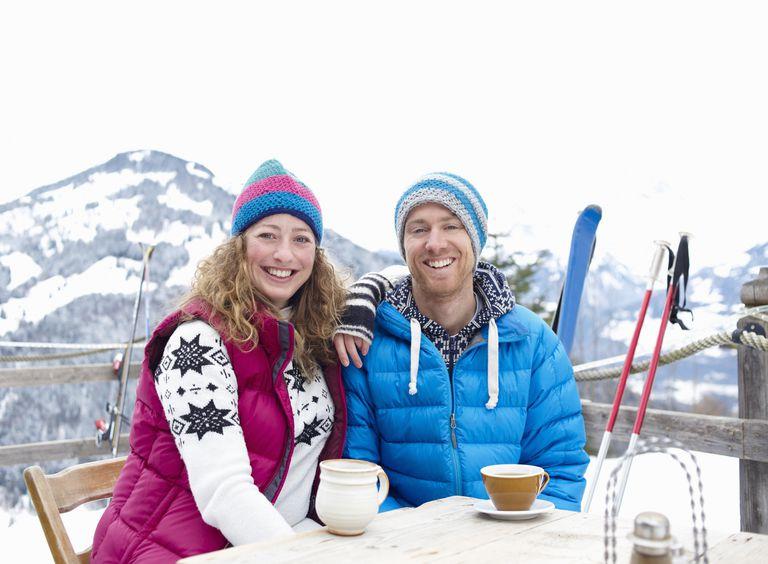 couple_at_ski_resort_163816847.jpg