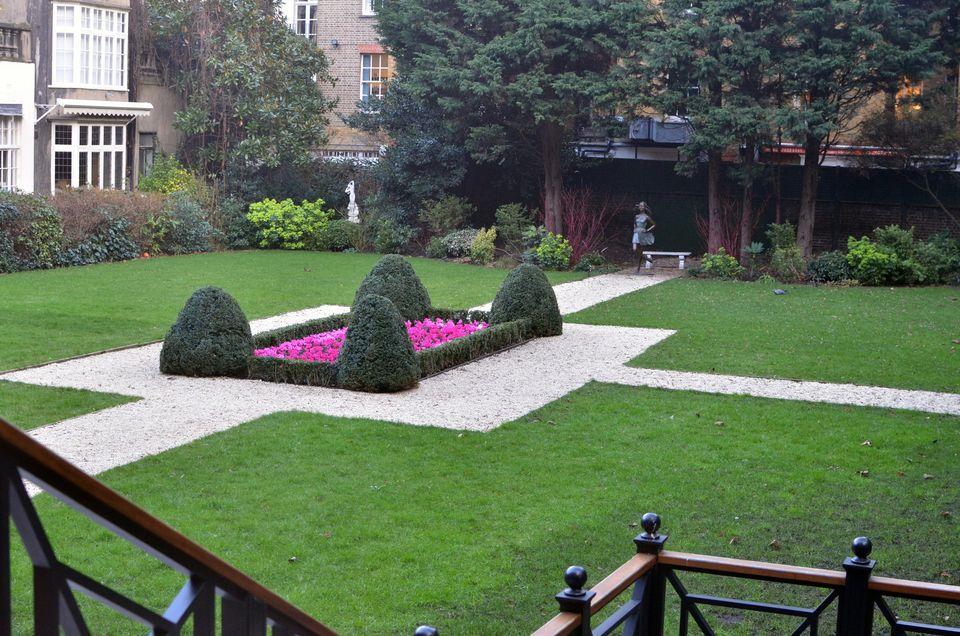 Goring garden at Hotel In London.