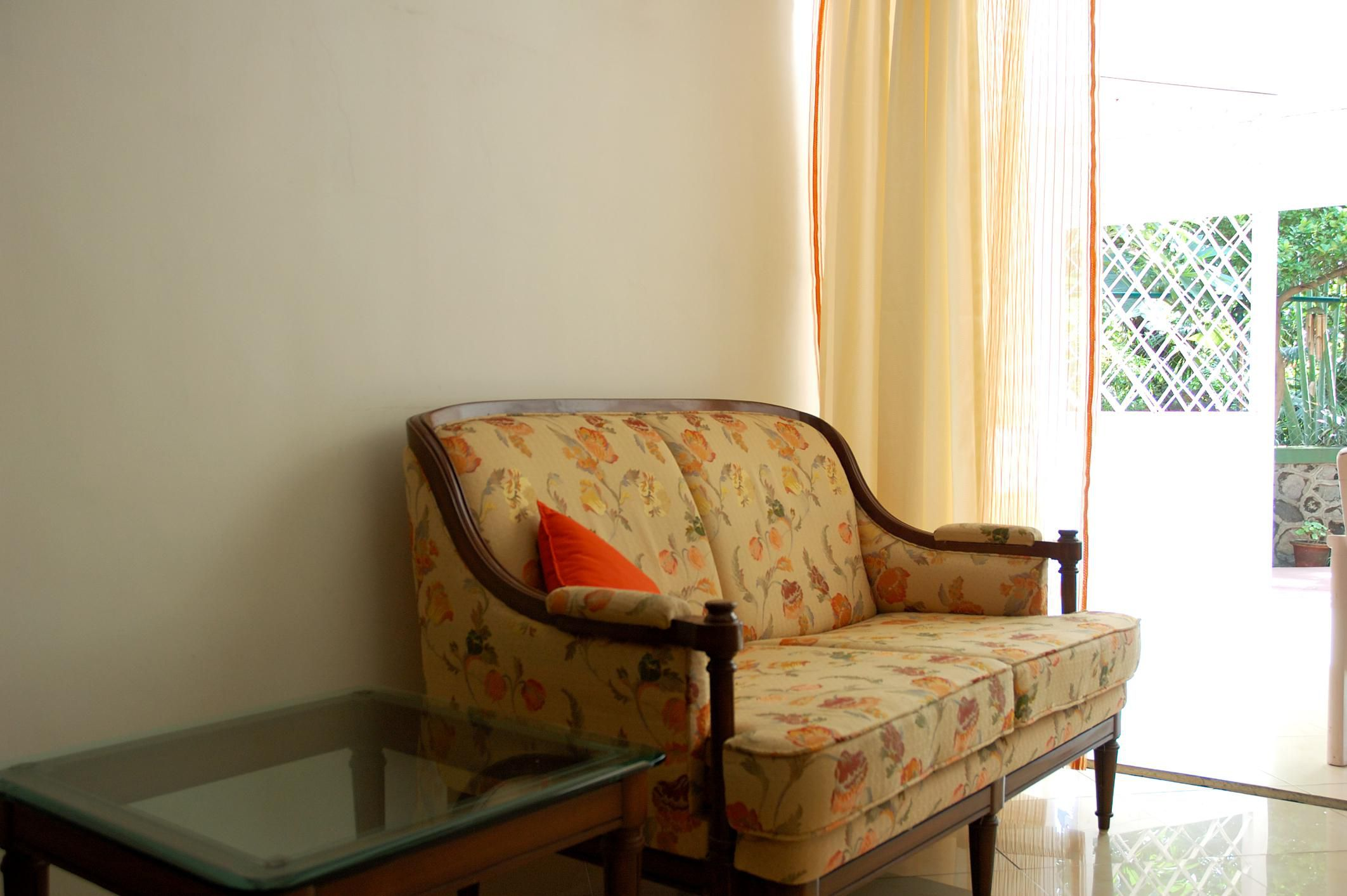 How to Price Your Used Furniture