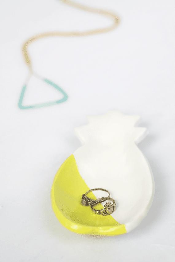 DIY Pineapple Ring Dish