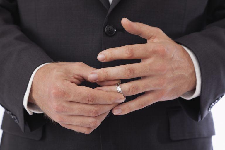 ring finger injury