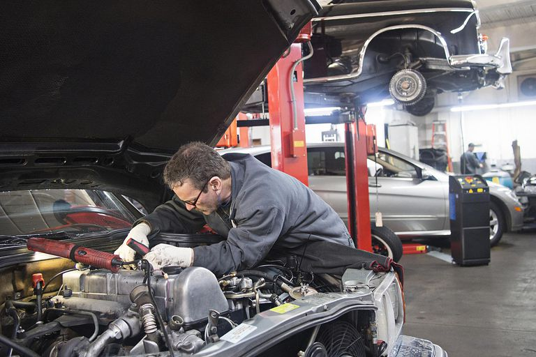 Troubleshooting engine problems under the hood