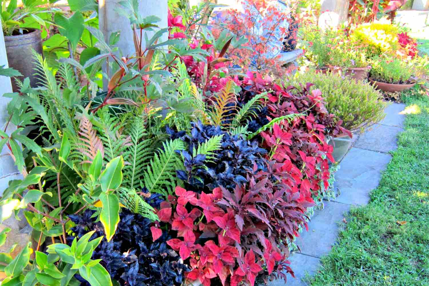Fall Colors - Decorating Ideas for Fall Yards