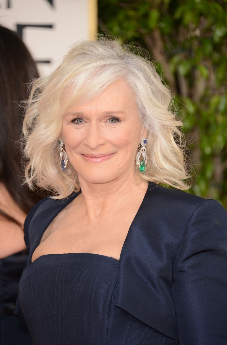 24 Gorgeous Haircuts on Women in Their 60s - photo #2