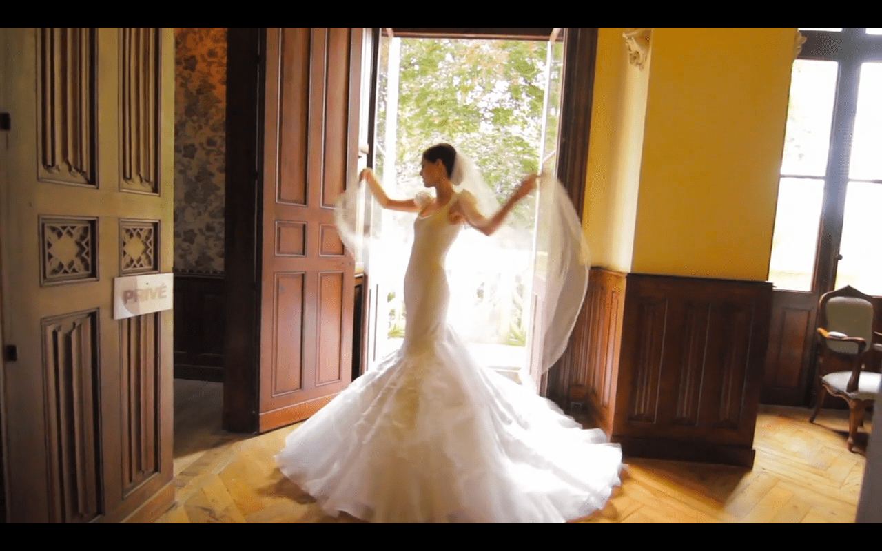 7 of the best supermodel wedding dresses of all time