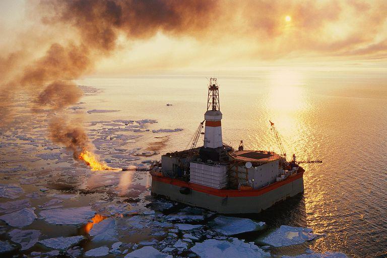 oil rig in beaufort sea