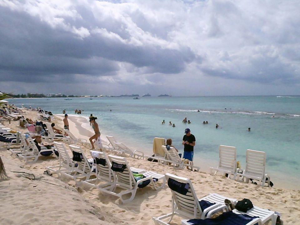 Grand Cayman - Tiki Beach